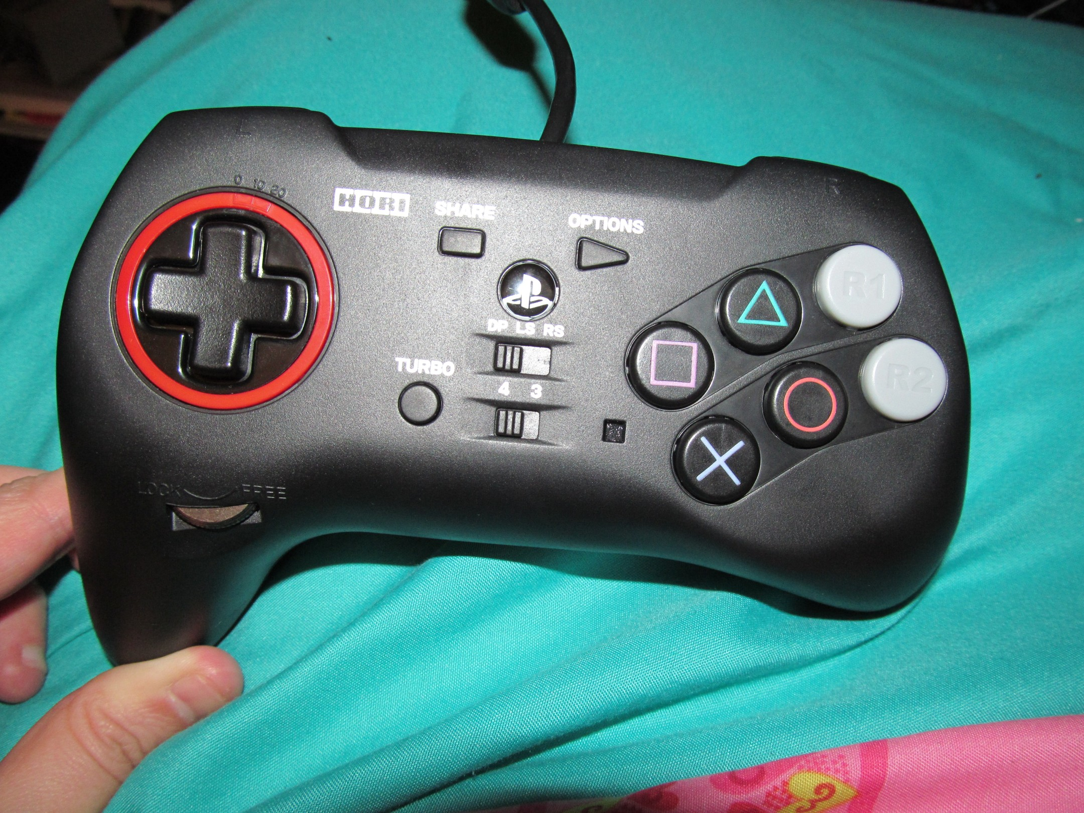 Controller Review: HORI Fighting Commander 4 for PS3/PS4/PC | Gaming.moe